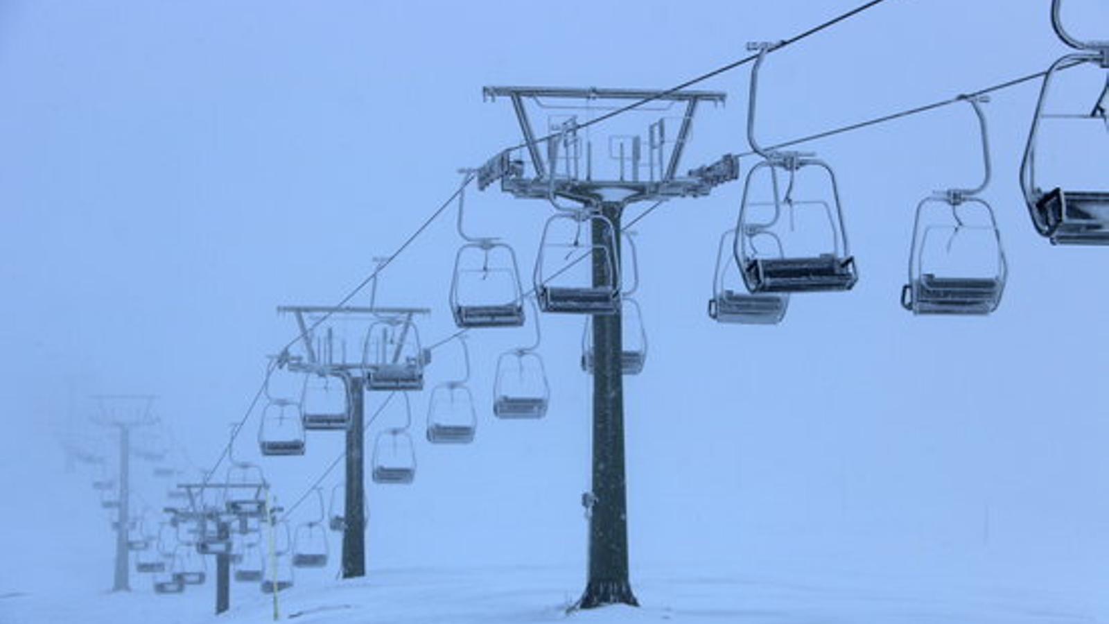 Les pistes d'esquí ajornen l'obertura perquè Catalunya no passa de tram