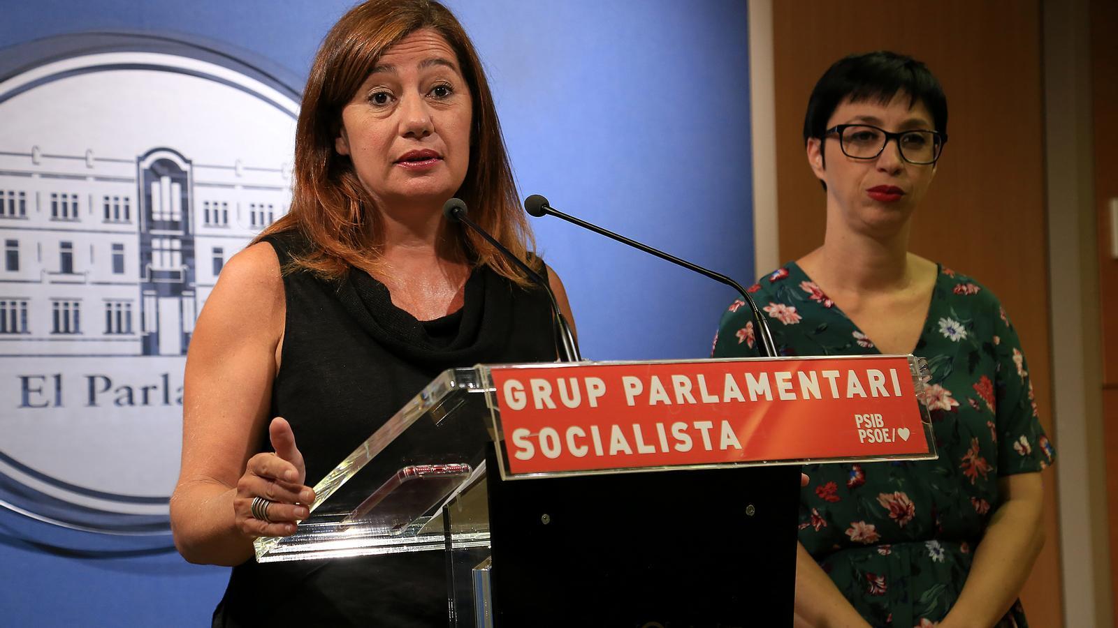 Armengol amb la portaveu del partit al Parlament, Sílvia Cano