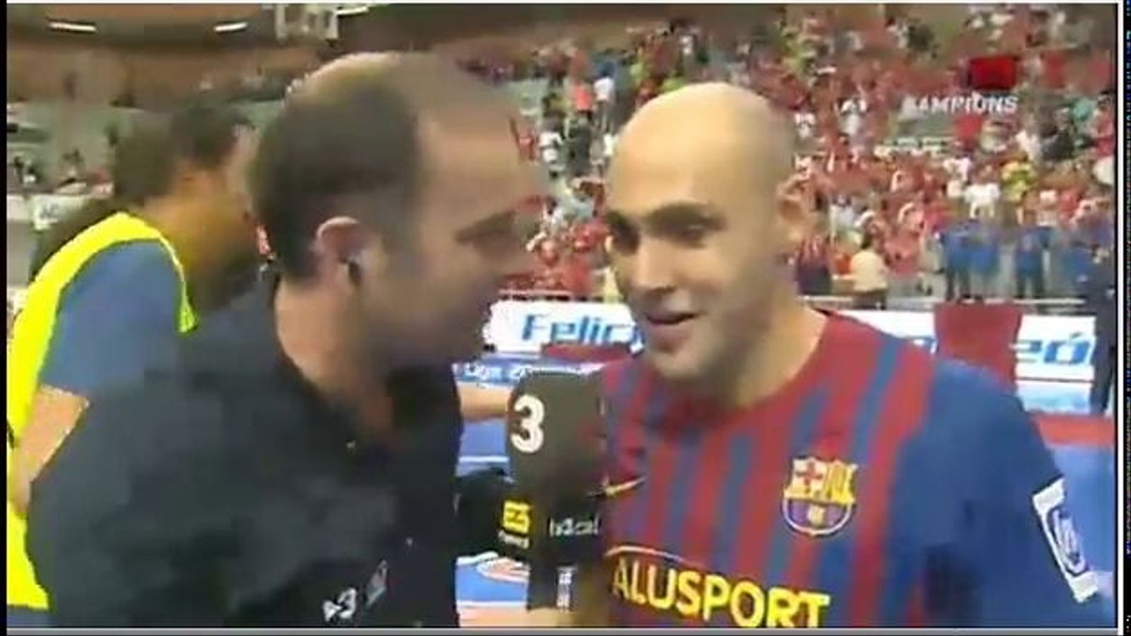 Javi Rodríguez guanya la lliga i li diu a Tomás Roncero que truqui a Florentino i faci un equip de futbol sala a Madrid
