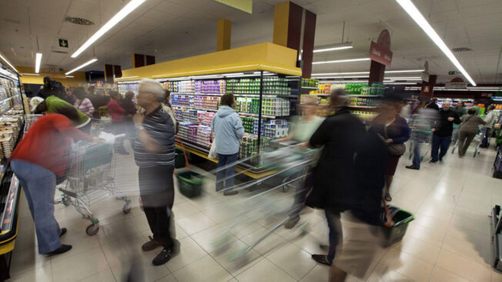 Un dels establiments de Mercadona en una imatge d'arxiu / DAVID AGUILAR / EFE