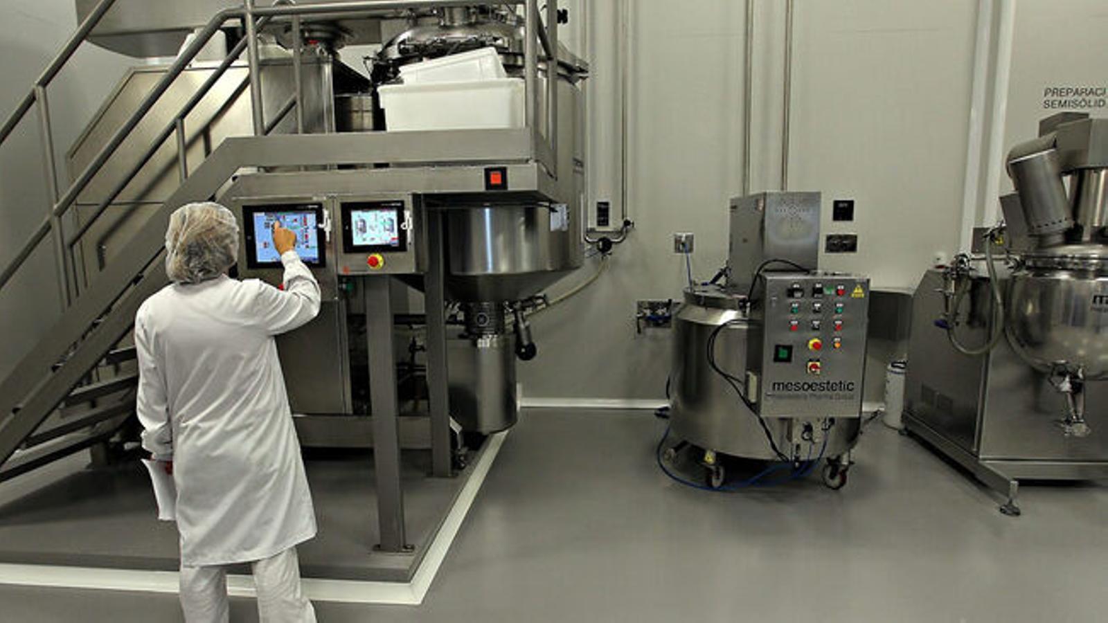 La producció industrial a les Balears es va reduir al juny un 29,3% .