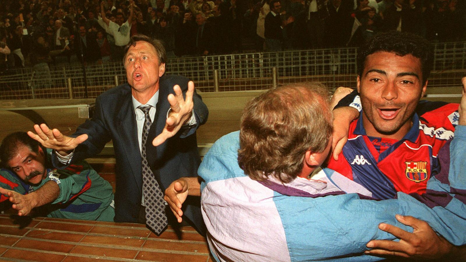 Romario, Rexach i Cruyff celebren el campionat de lliga l'any 1994.