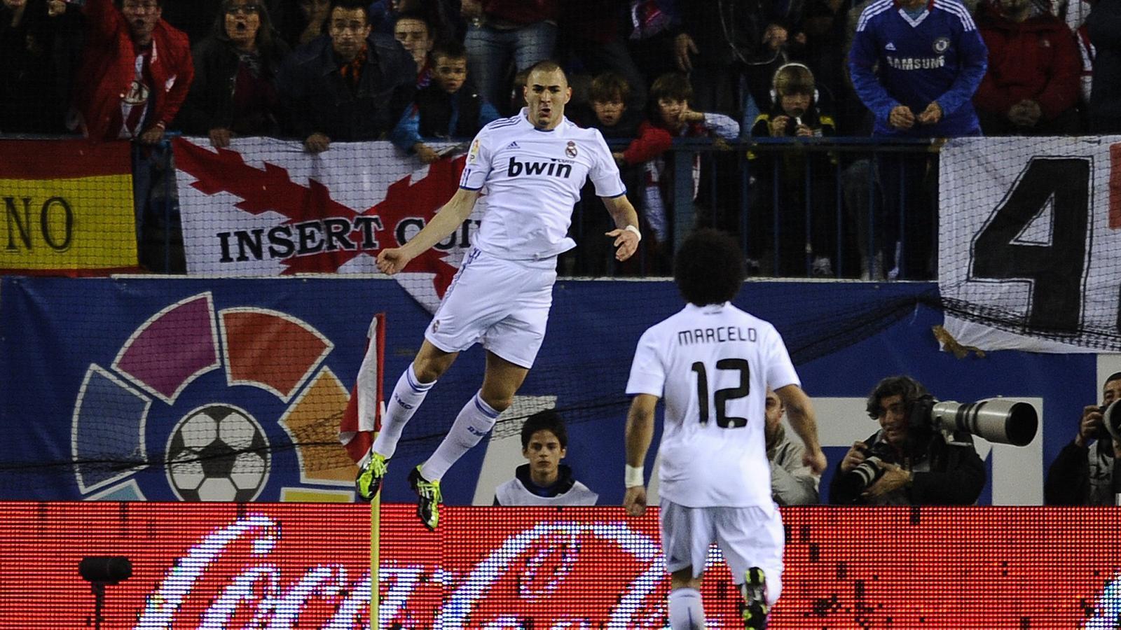 Karim Benzema, en ratxa golejadora, va fer el primer gol del partit en una bonica jugada personal. / PIERRE-PHILIPPE MARCOU / AFP