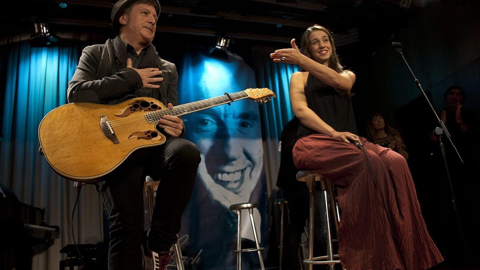 El músic Toni Xuclà ha comptat amb 16 músics per crear el disc.