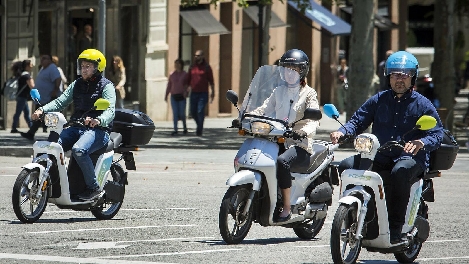 La moto compartida és cada cop més utilitzada pels barcelonins per als seus desplaçaments.
