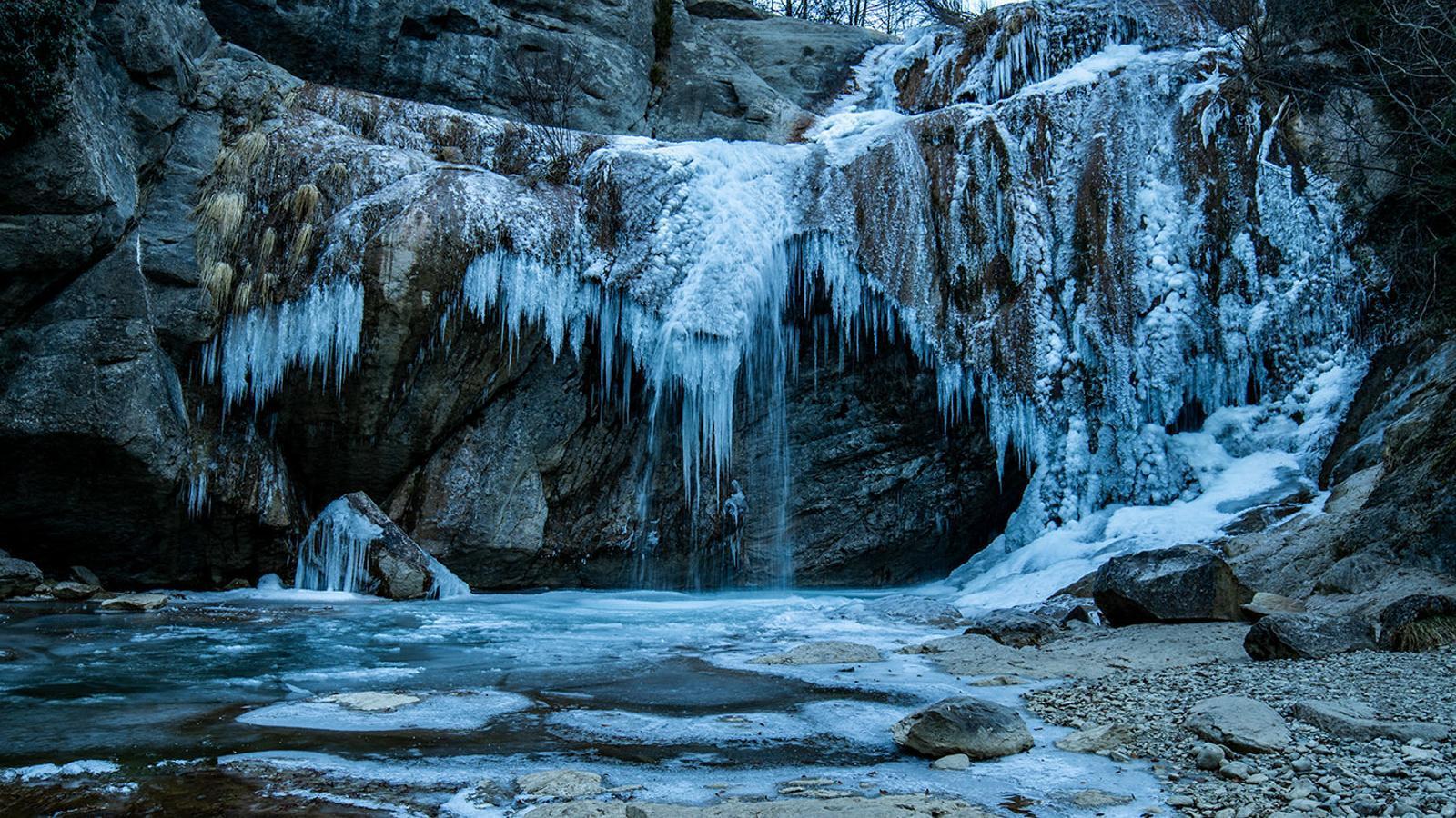 Recull d'algunes de les millors imatges del gel i el gebre d'aquesta setmana