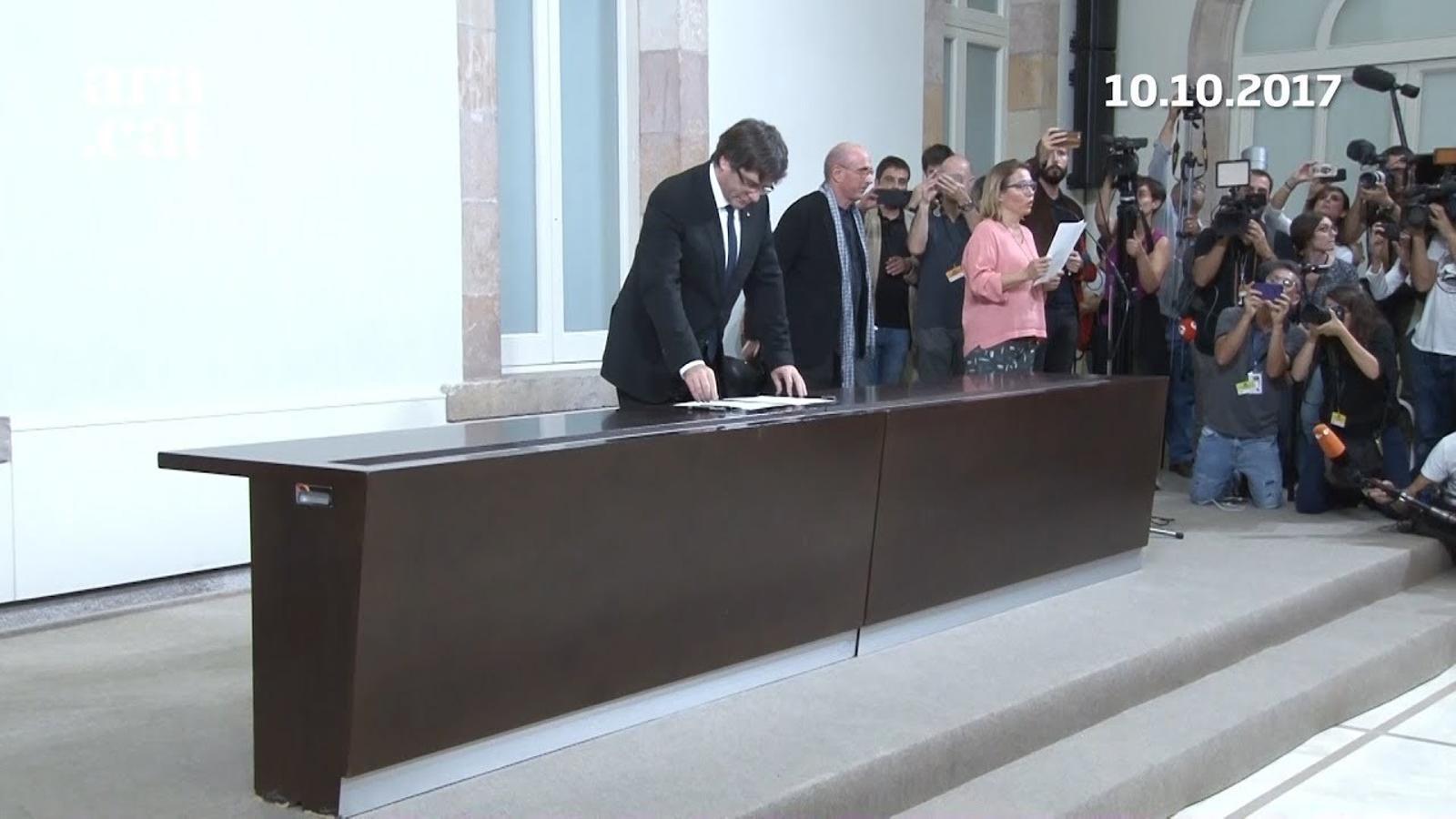 10-O: Puigdemont declara i suspèn la DUI (10-10-2017)