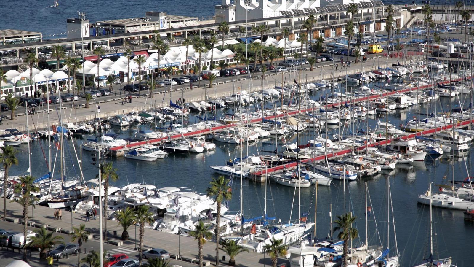 L'Ajuntament amplia la cessió dels restauradors del Port Olímpic
