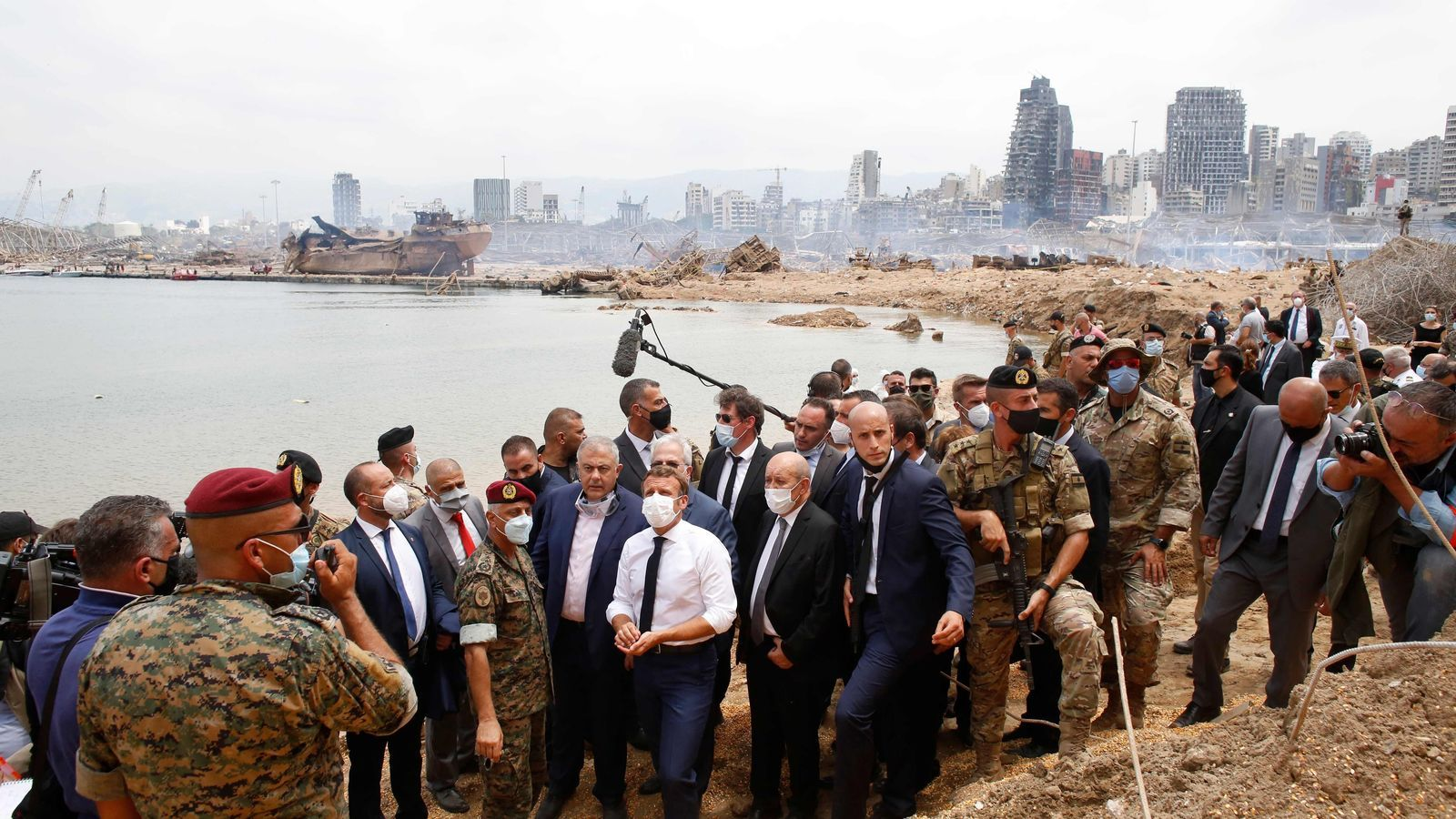 Emmanuel Macron, a Beirut