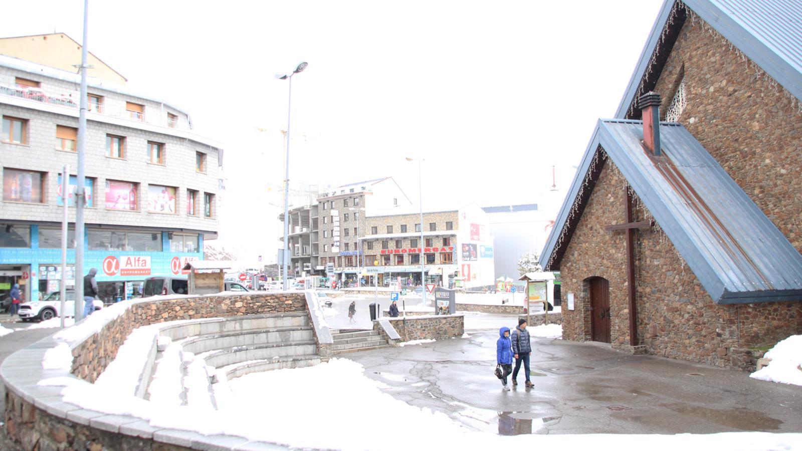 La plaça de l'Església del Pas de la Casa. / E. J. M. (ANA)