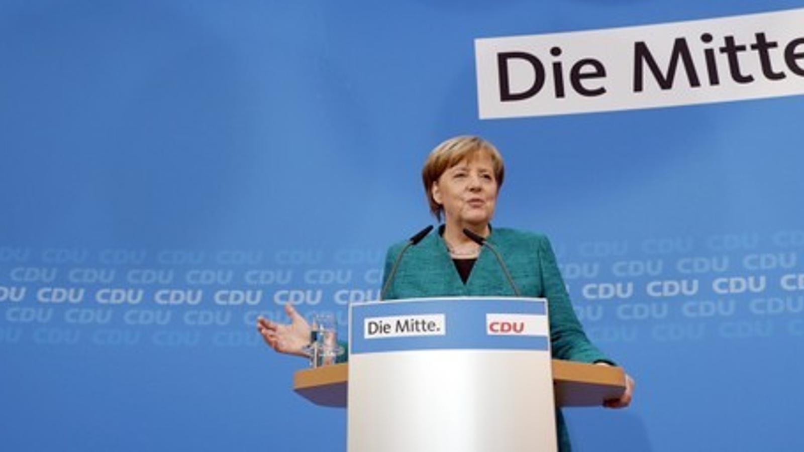 Merkel intervé davant de la premsa per explicar els acords presos per la direcció de la CDU.