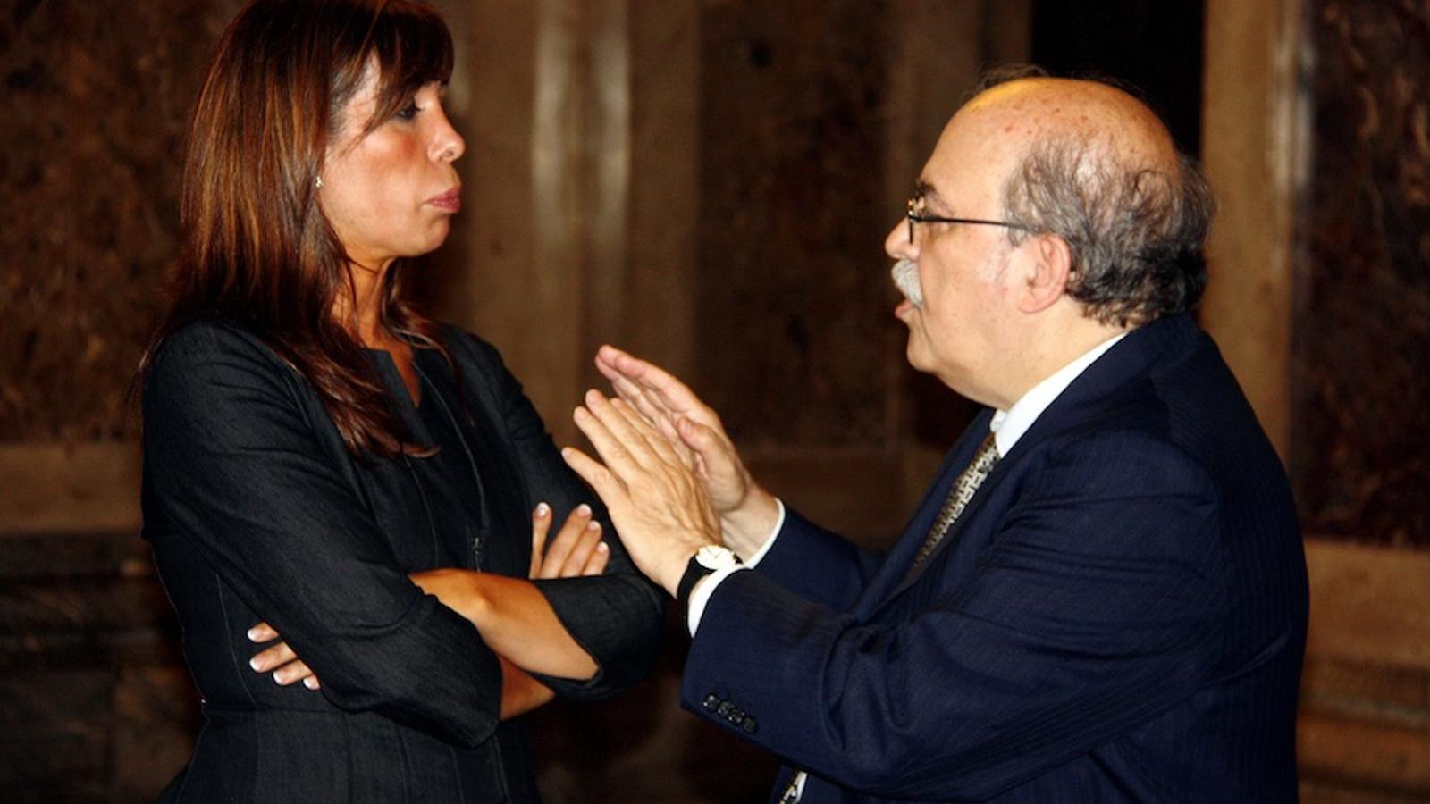 Alicia Sánchez-Camacho i el conseller d'Economia, Andreu Mas-Colell, al Parlament / ACN