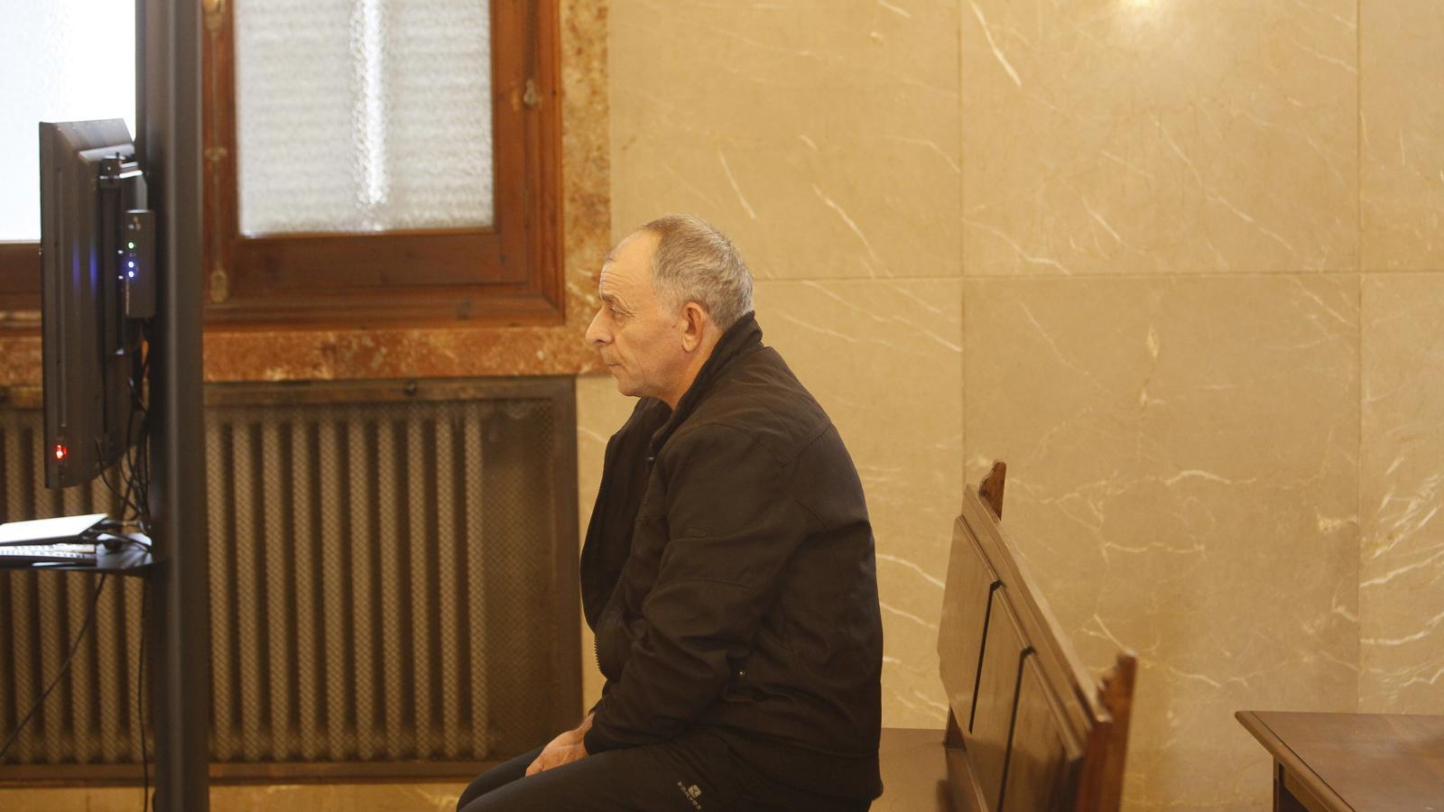 """La fiscalia del cas Patrascu recorda al jurat que el marit """"la matà perquè era una puta""""!"""