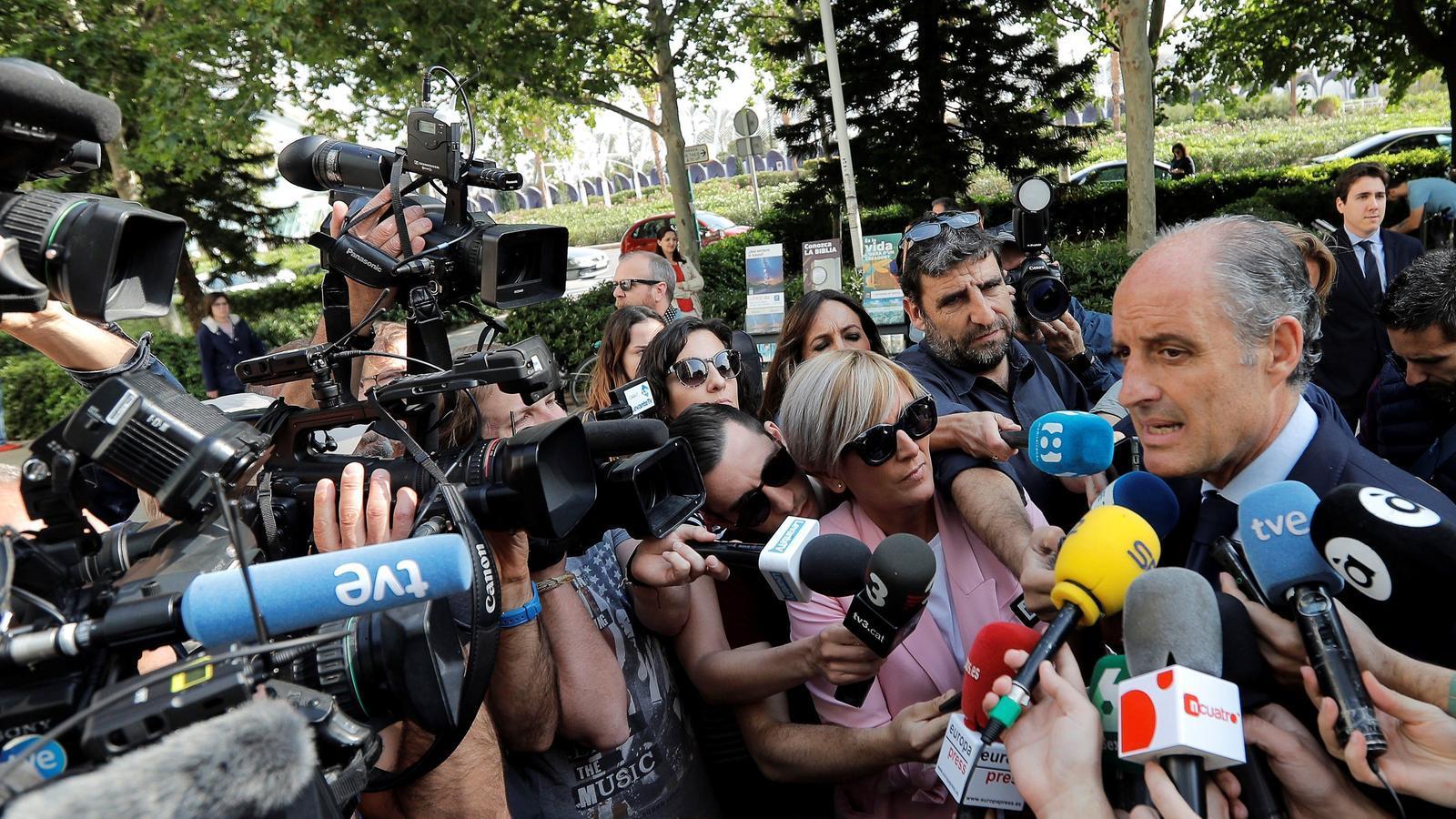Anticorrupció demana que es processi Francisco Camps per malversació i prevaricació per l'organització de la Fórmula 1