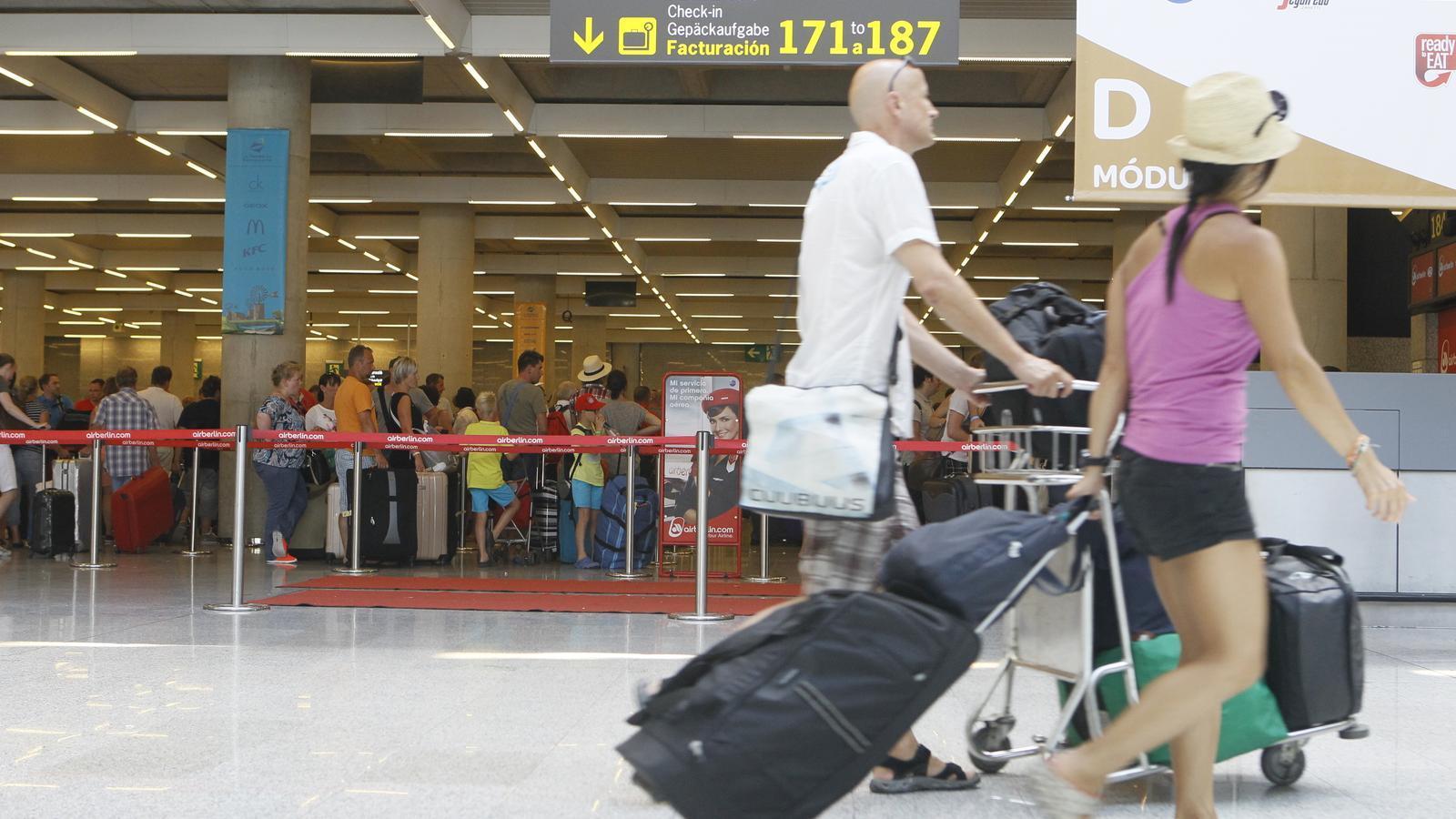 L'aturada dels controladors aeris va paralitzar els aeroports de les Illes el desembre de 2010/ISAAC BUJ