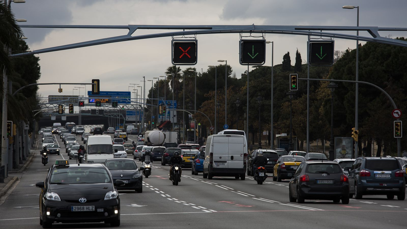 Barcelona declara la guerra  a la meitat dels cotxes