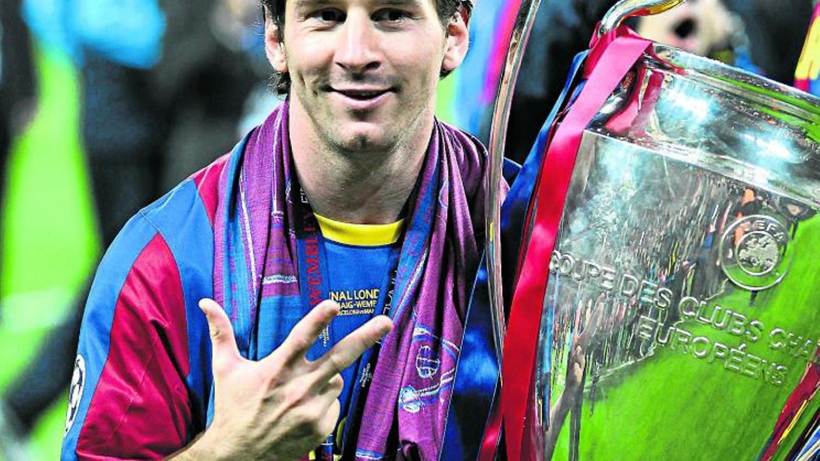 Celebracions Leo Messi va poder abraçar i celebrar dissabte la seva tercera Champions: París, Roma i Londres.