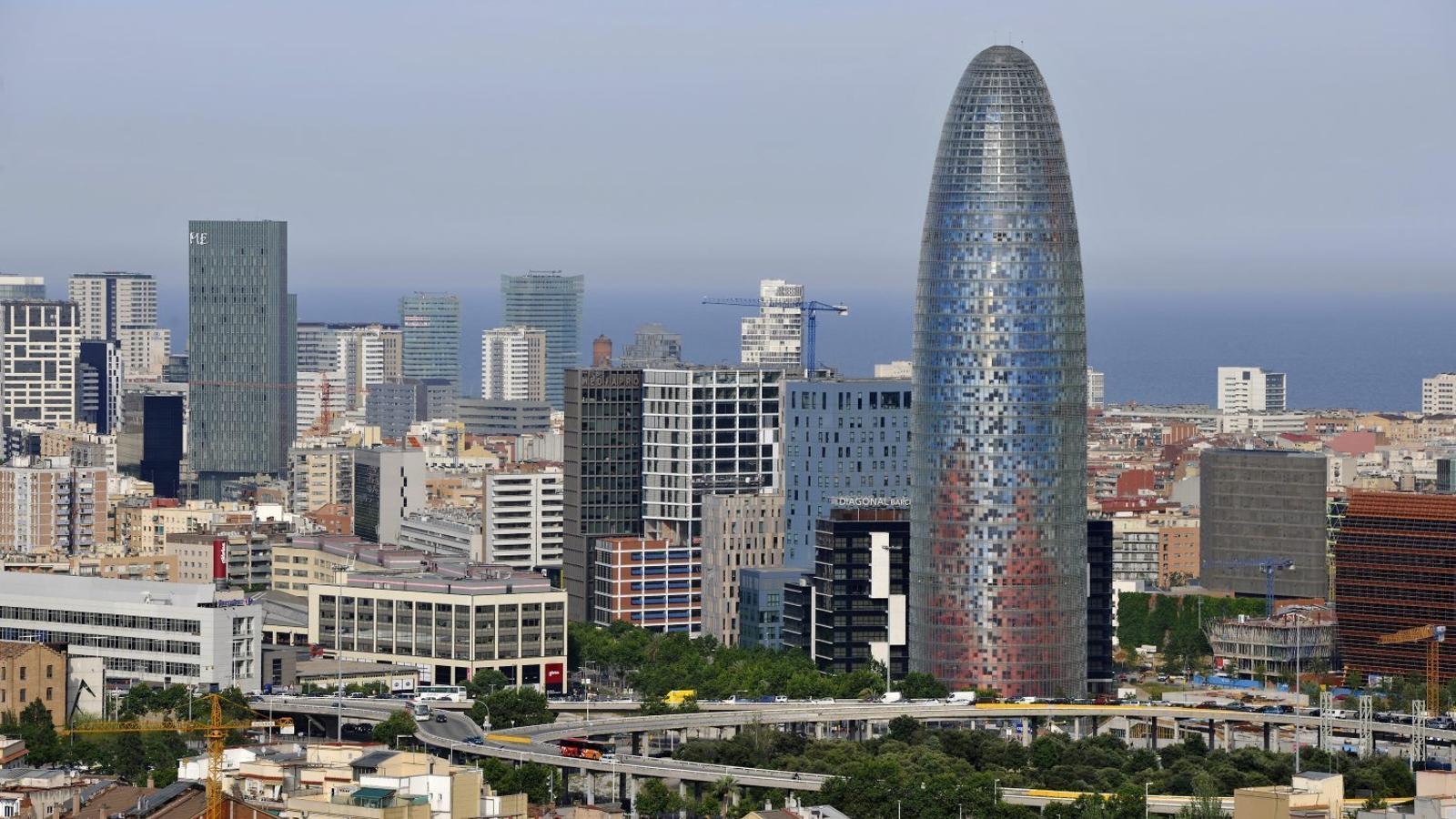 El lloguer d 39 oficines a barcelona cau un 27 fins al setembre for Caixa d enginyers oficines barcelona