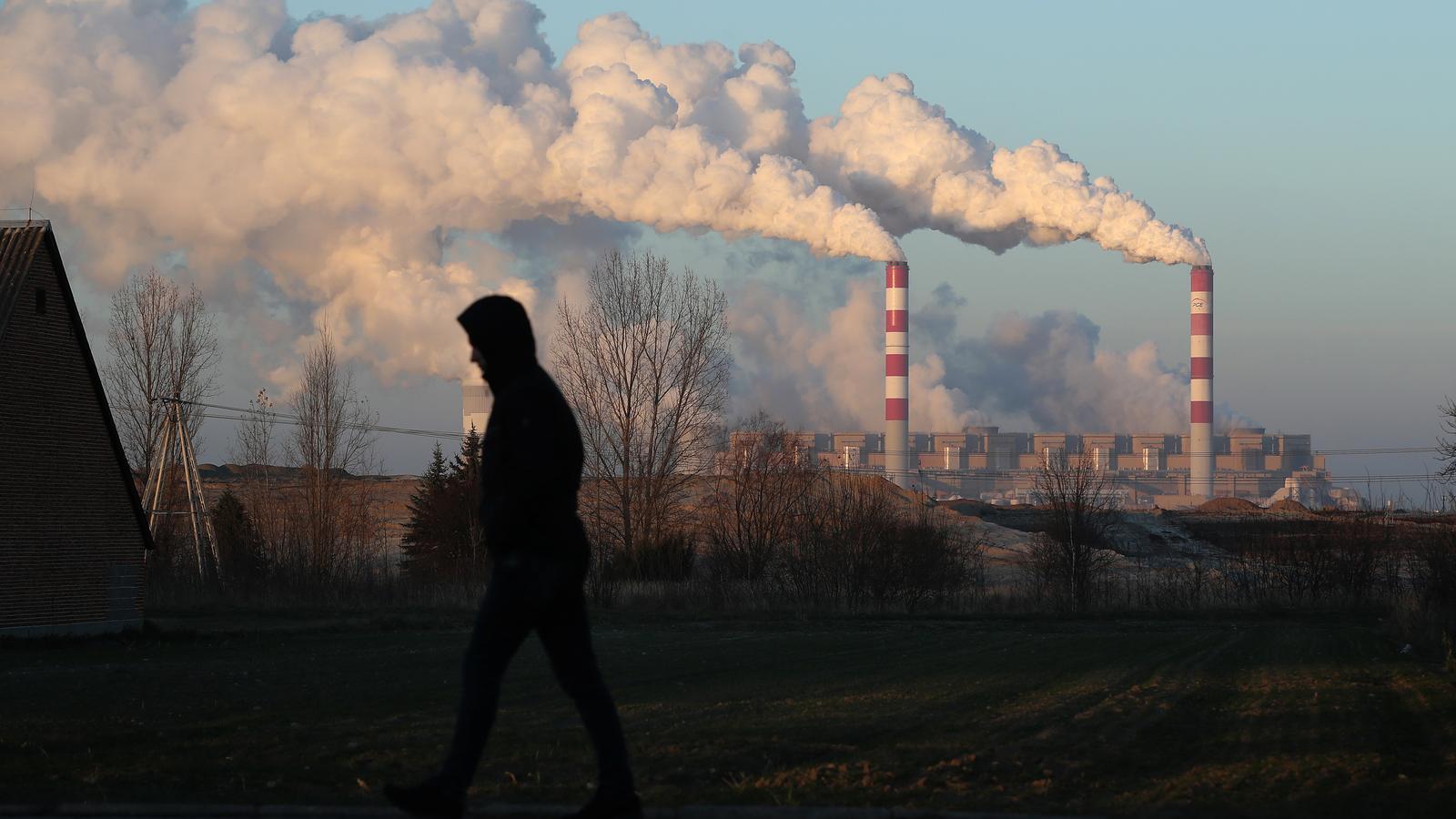 Les emissions diàries de CO2 van baixar fins a un 26% en el pic del confinament