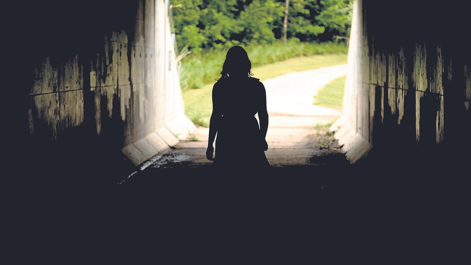 El doble estigma  del suïcidi