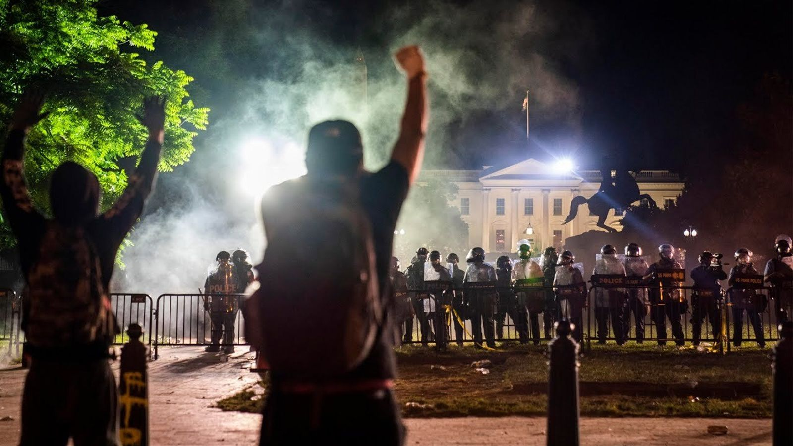 Ciutats de tots els EUA passen una altra nit de protestes i violència, i l'estat d'alarma divideix el Govern: les claus del dia, amb Antoni Bassas (01/06/2020)