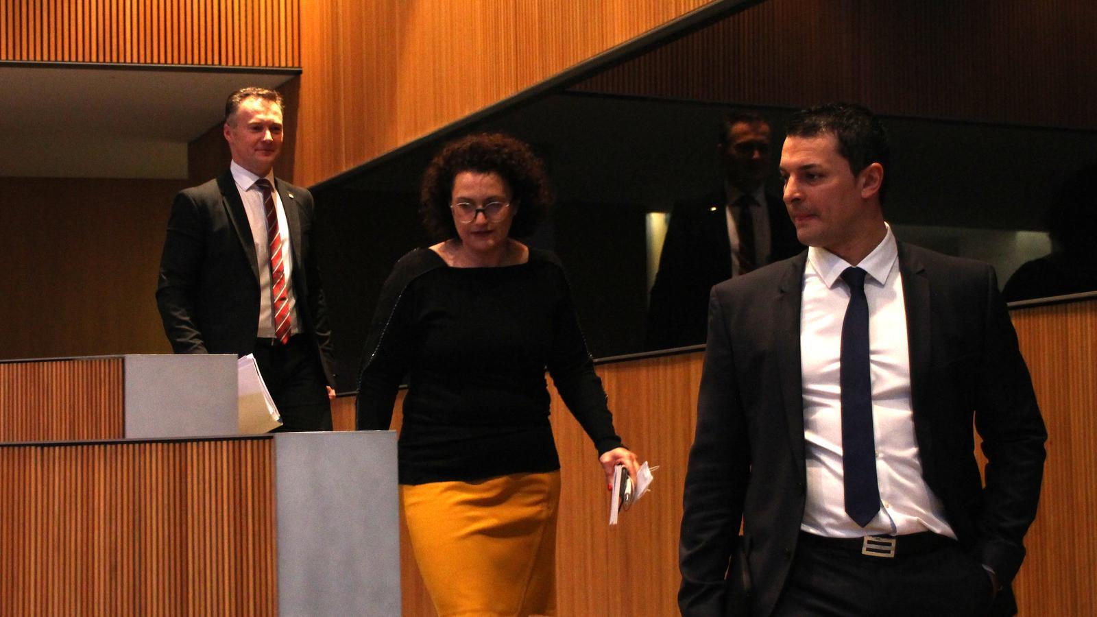 Els tres consellers liberals, Jordi Gallardo, Judith Pallarés i Ferran Costa arribant al Consell General. / M. F.