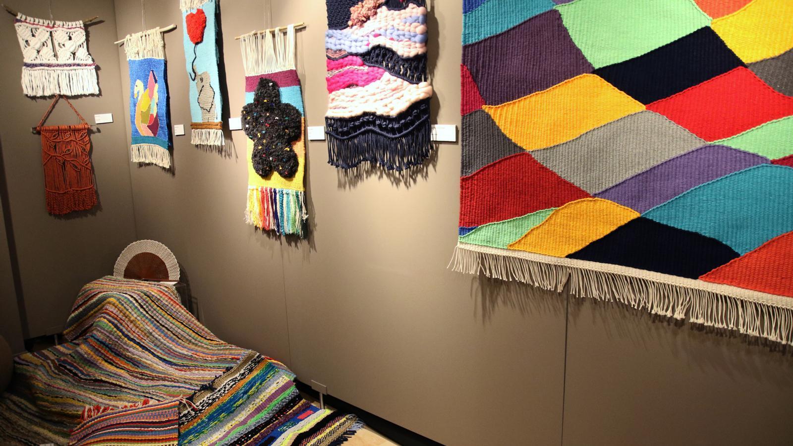 Treballs textils de l'exposició. / COMÚ D'ESCALDES-ENGORDANY