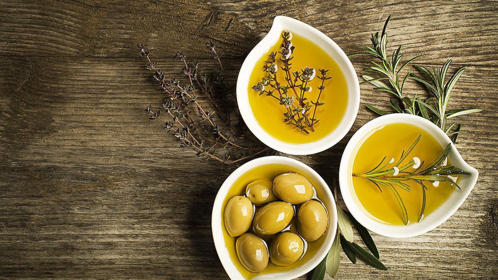Què en saps de l'oli d'oliva? Les 6 informacions més rellevants sobre aquest greix saludable