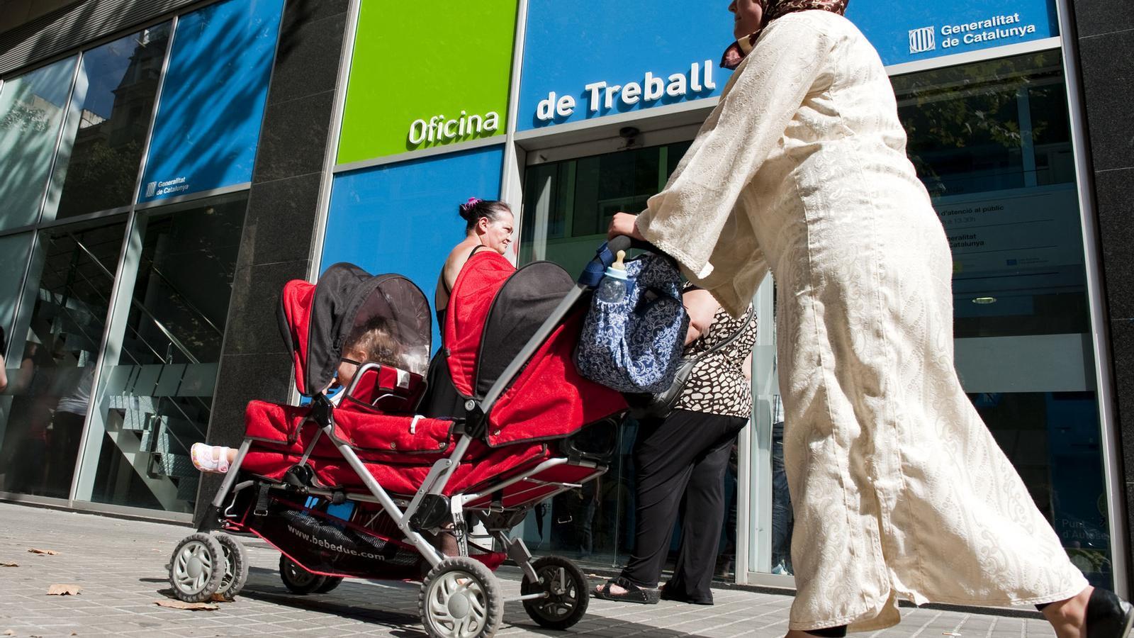 L 39 ocde recomana a espanya pagar el subsidi d 39 atur nom s a for Oficina de treball barcelona