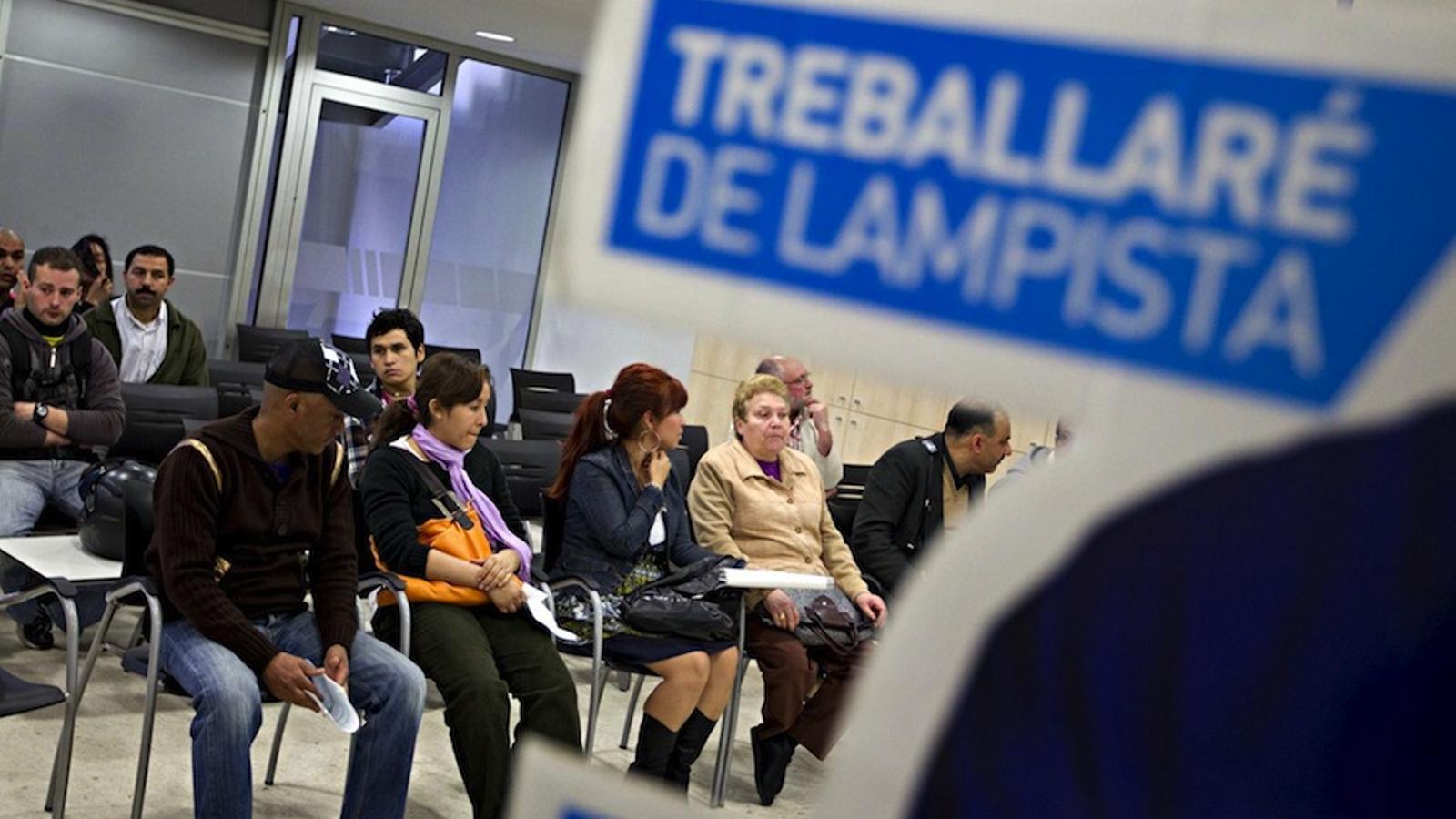L 39 atur registrat creix un 2 1 a catalunya fins als 645 for Oficina seguretat social