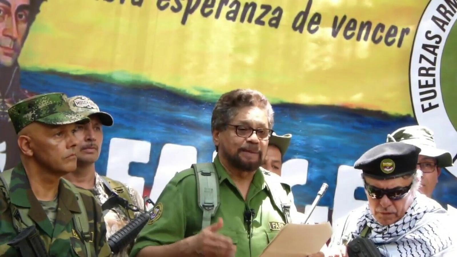 Iván Márquez, ex número dos de les FARC anunciant la seva represa de les armes
