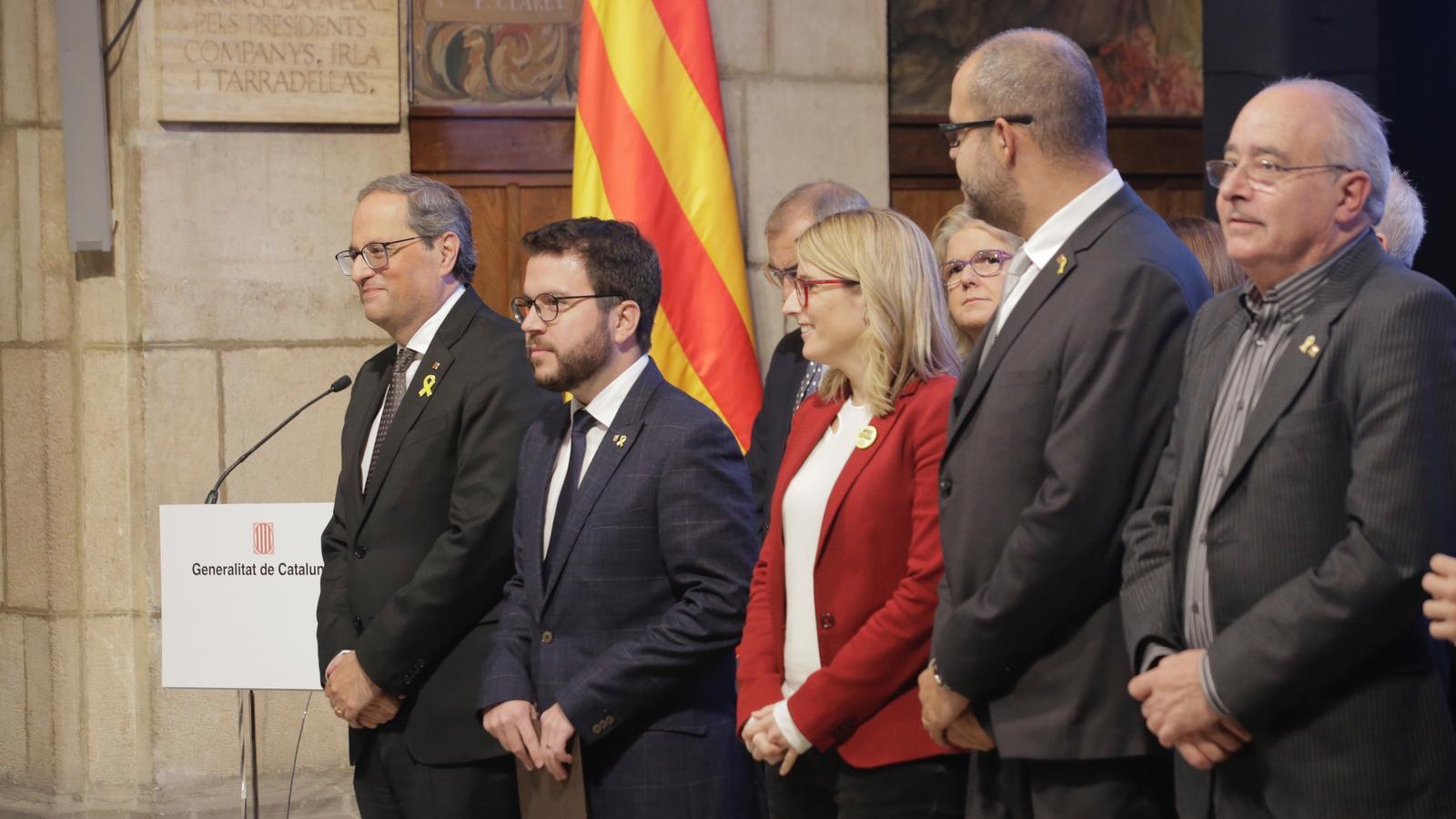 El president Torra, amb la resta de membres del Govern, durant la presentació del Consell per la República