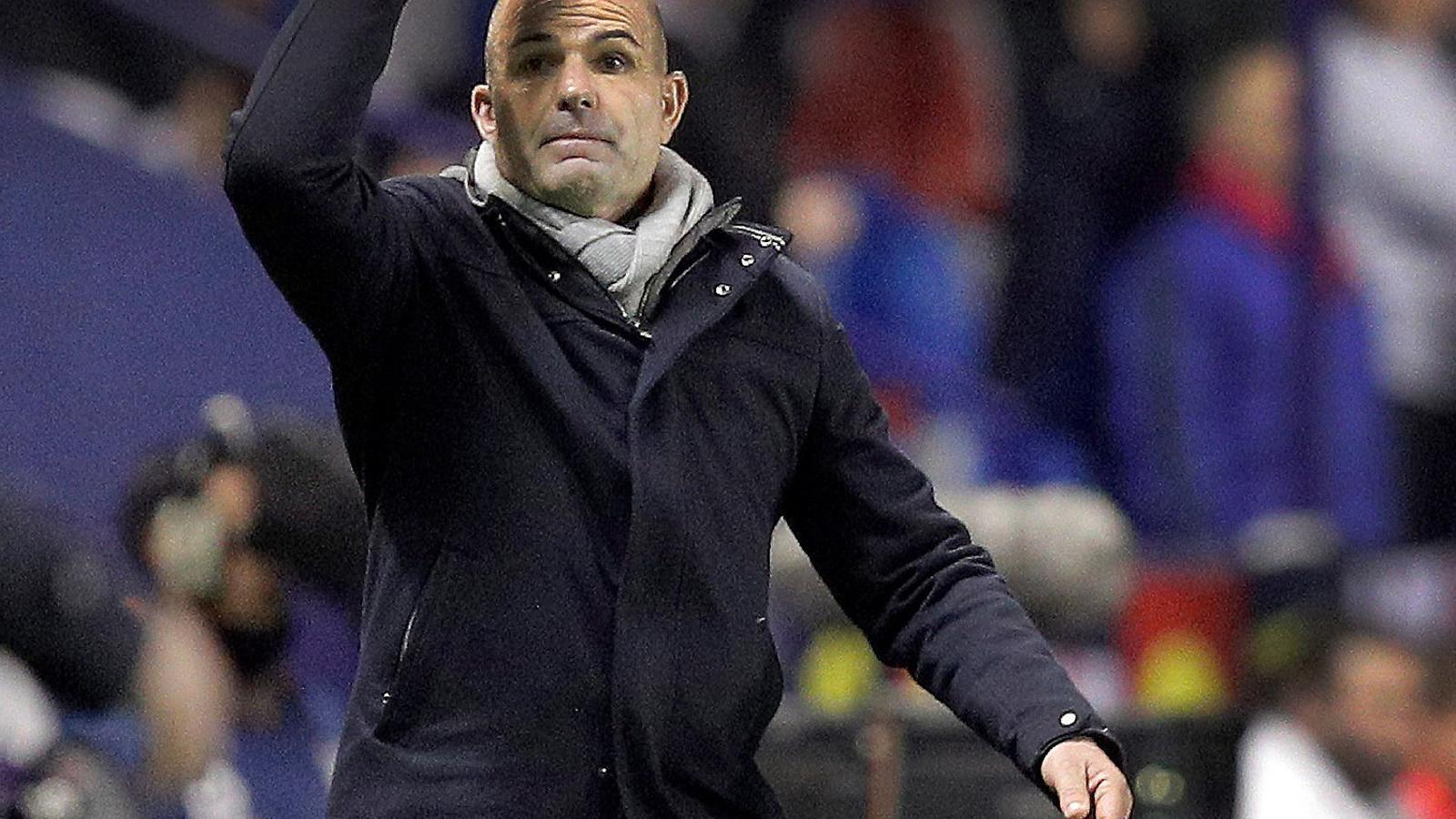 Paco López, l'entrenador del Llevant, durant un partit d'aquesta temporada.