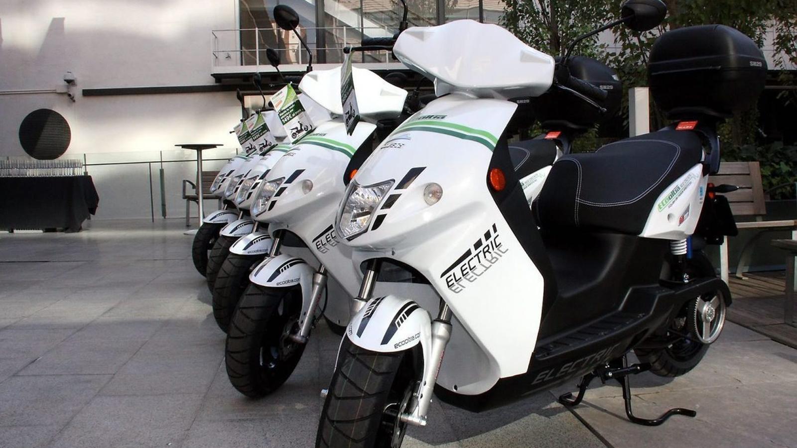 Barcelona podrà doblar les motos d'ús compartit