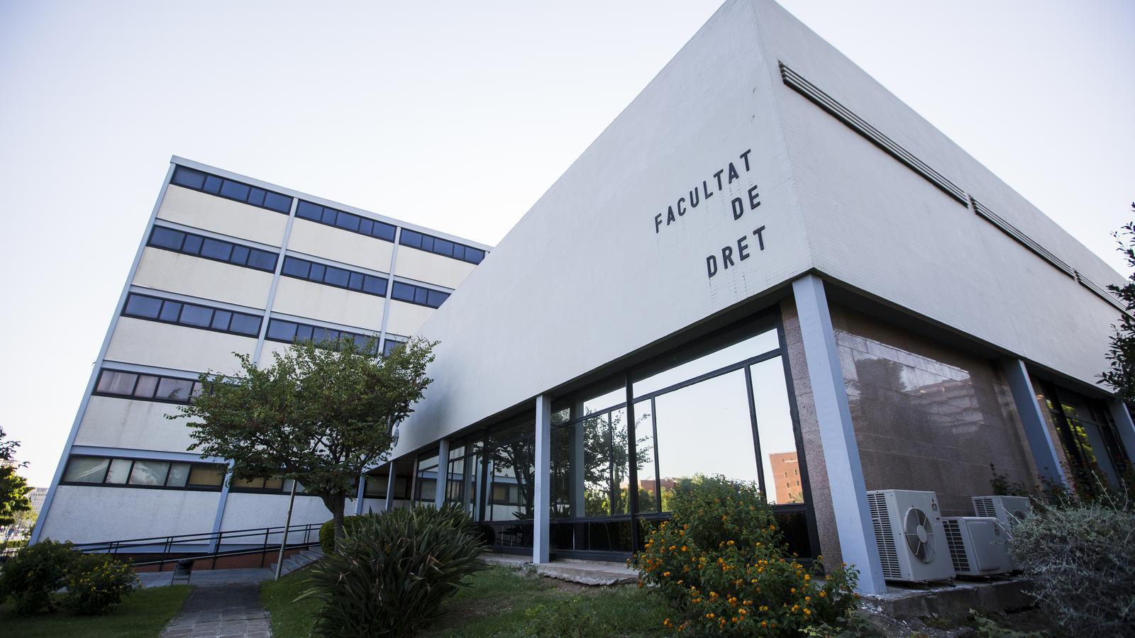 El primer edifici guardonat amb el premi FAD: la facultat de Dret de la UB / MARC ROVIRA