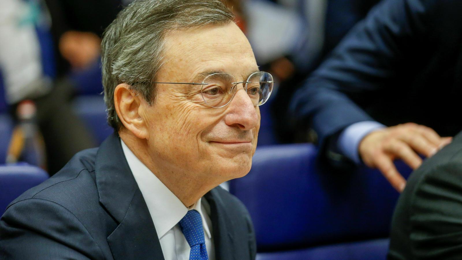 El president del BCE, Mario Draghi, en la reunió de l'Eurogrup a Luxemburg aquest dimecres.