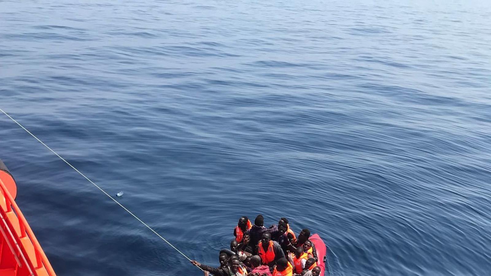 Més de 200 migrants rescatats a les costes andaluses