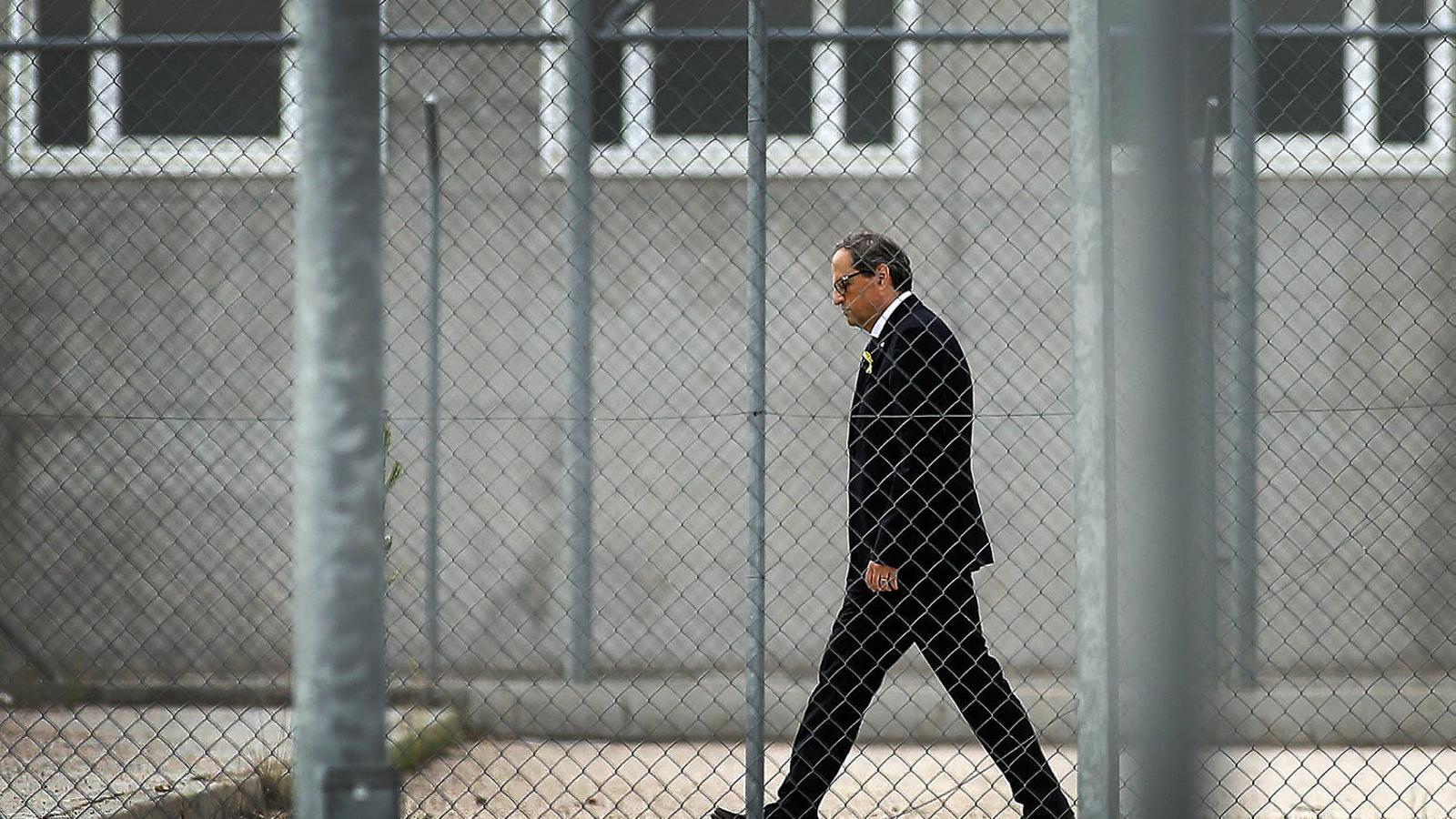 El president de la Generalitat, Quim Torra, ahir durant la visita als presos.