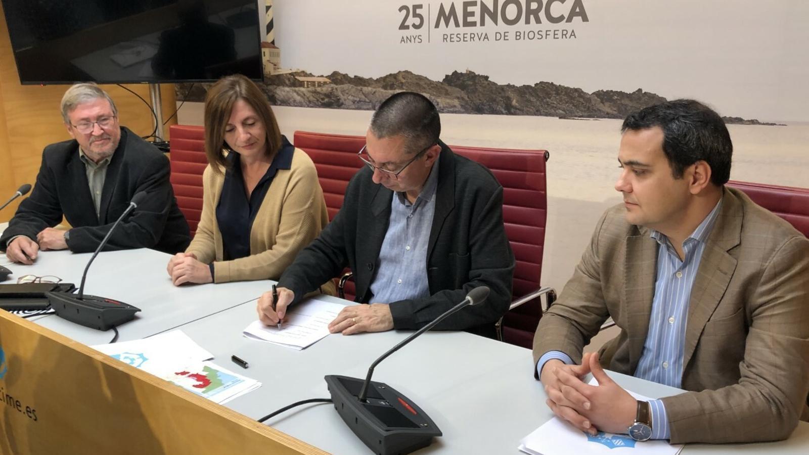 Institució, associació cultura i empresa promotora han presentat l'acord per Son Salomó.