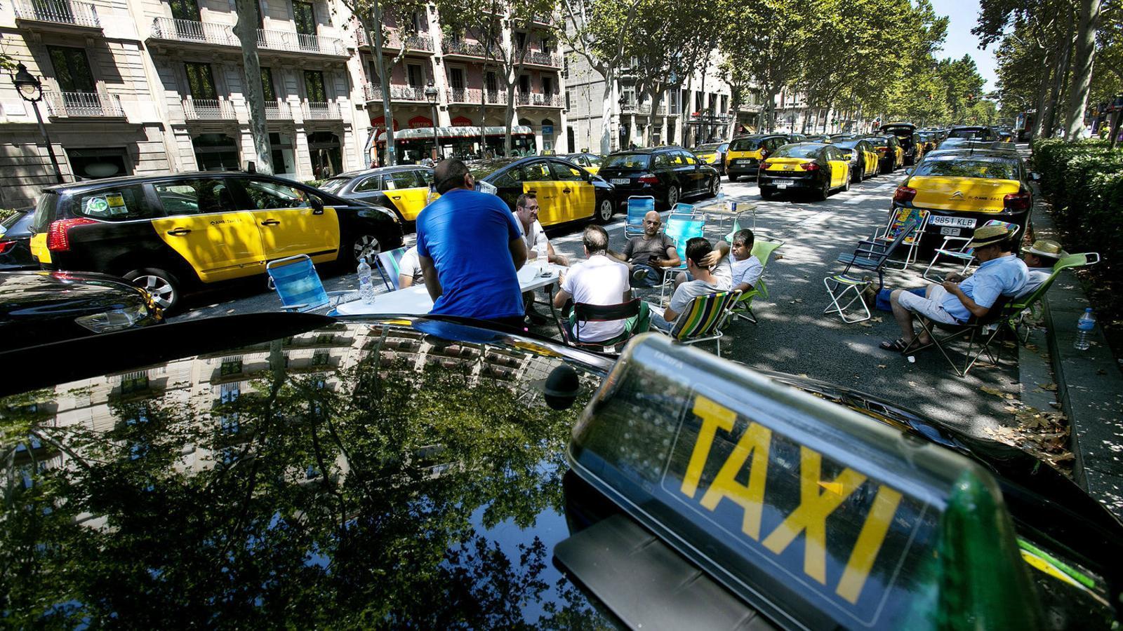 Nova onada de queixes dels taxistes al Govern