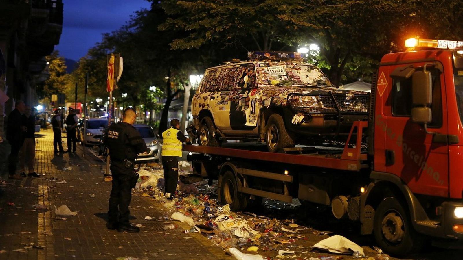 El curioso caso de la reparación de los coches de la Guardia Civil