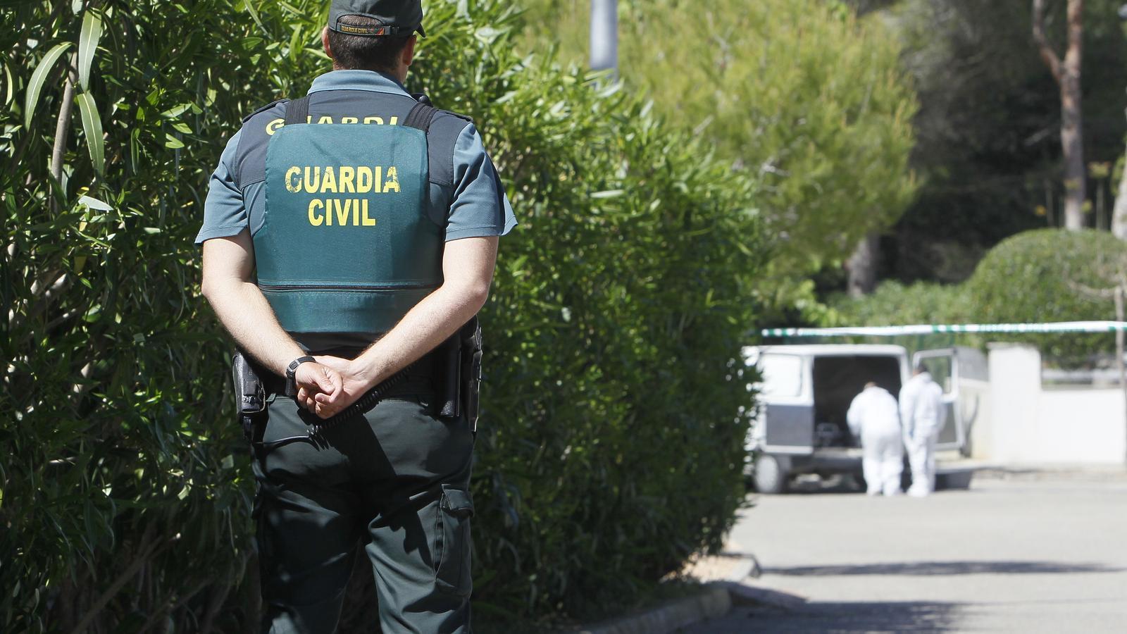Agent de la Guàrdia Civil./ ARXIU