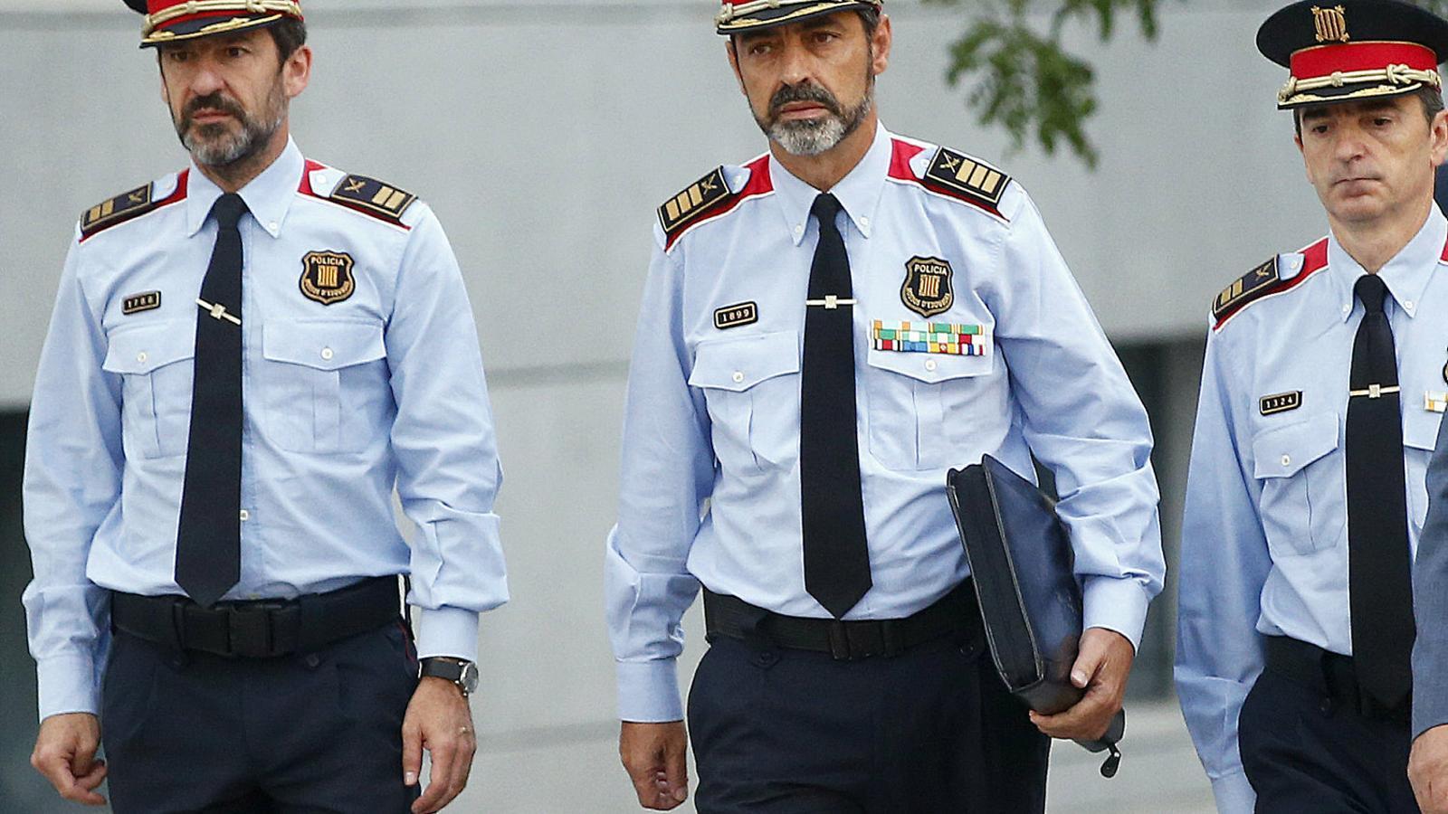 Trapero tenia un pla per traslladar detingut Puigdemont en helicòpter si declarava la DUI