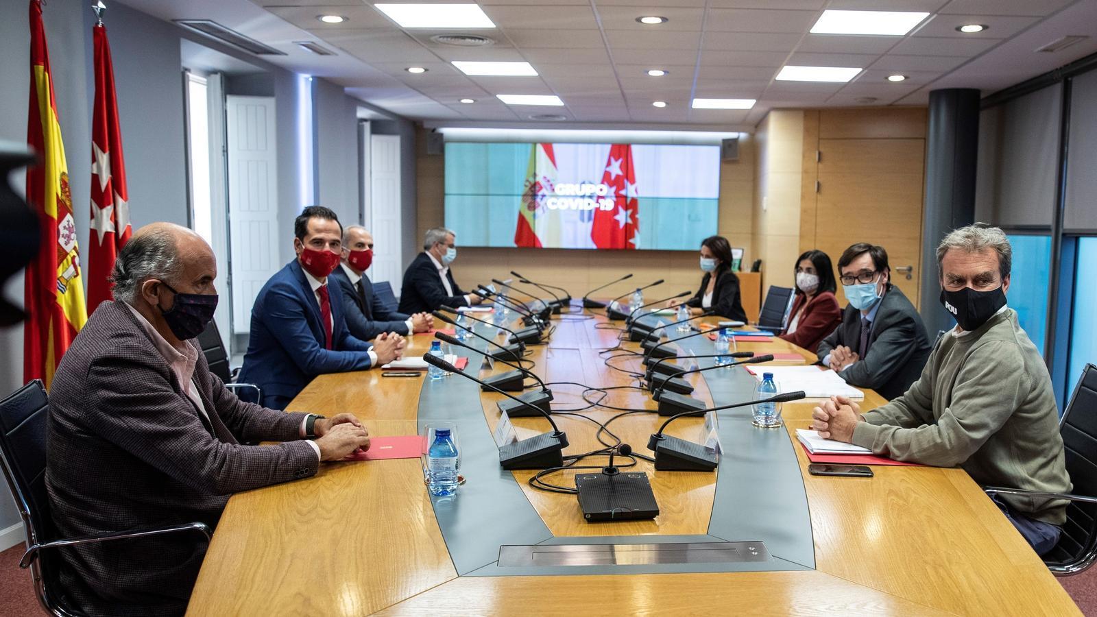 Reunió dels equips del govern espanyol i la Comunitat de Madrid per intentar desbloquejar el conflicte per aplicar noves restriccions a la capital espanyola.