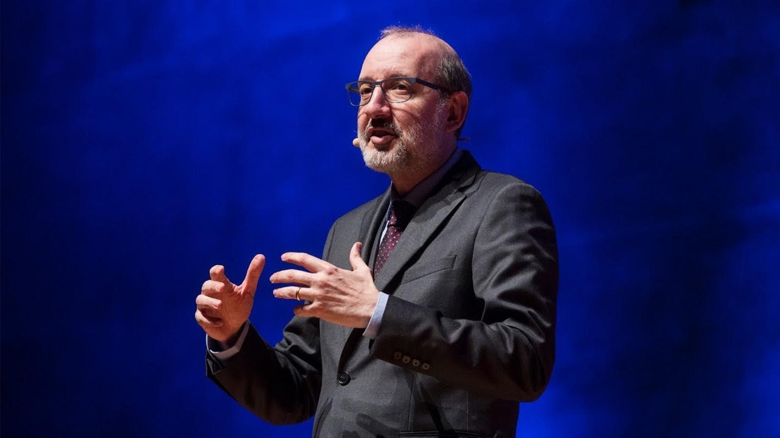 Antoni Bassas rememora 'El matí de Catalunya Ràdio' molt ben acompanyat