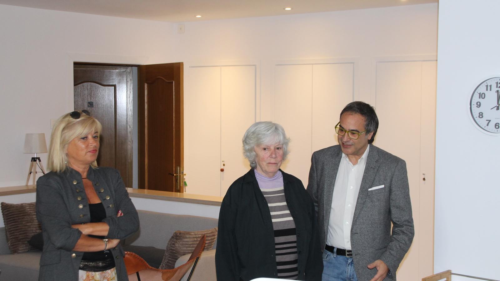 Montserrat Planelles, Kathleen McNerney i Ivan Sansa a la residència Faber-Andorra. / A. S.