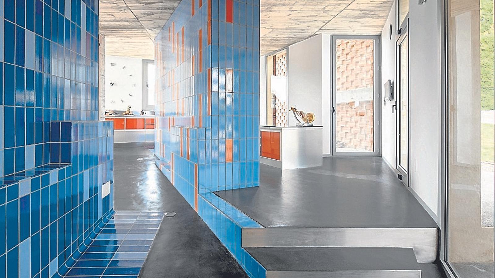 La Casa Bitxo va ser el primer projecte de Lagula Arquitectes, aquesta és la cuina de l'habitatge