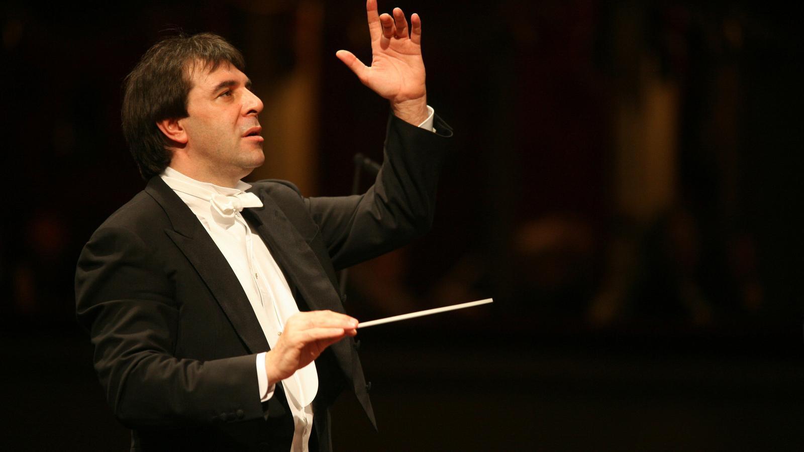El titular de la Nacional de França, Daniele Gatti, va demostrar que una orquestra pot sonar molt diferent en funció de qui la dirigeixi .