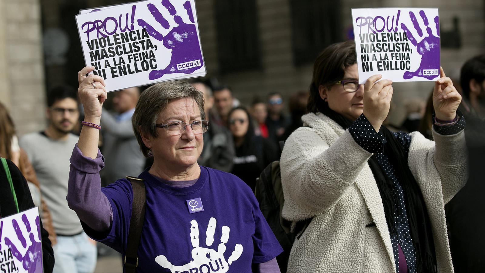 Concentració de protesta per les víctimes de la violència masclista.