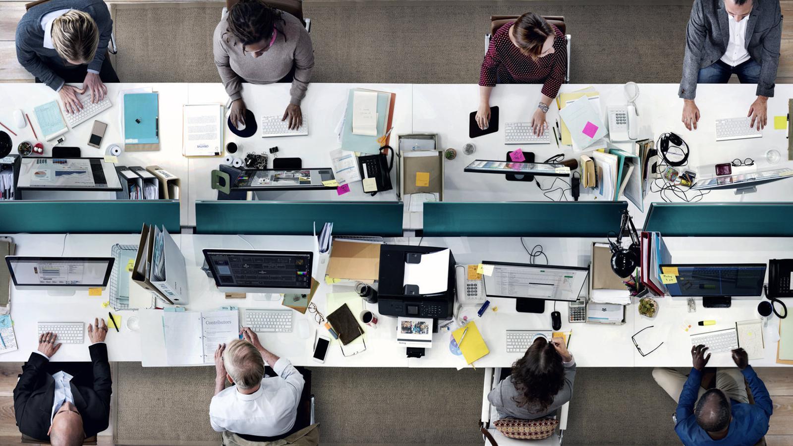 La discriminaci dels treballadors m s grans un fet il for Oficina i arxiu
